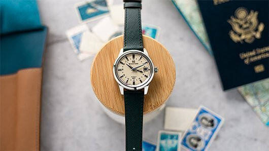 Grand Seiko SBGM221 GMT